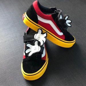 Mickey Mouse Hugs Vans